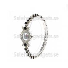 Mode Och Special Hello Kitty Diamond Formade Armband Lace Design Armbandsur